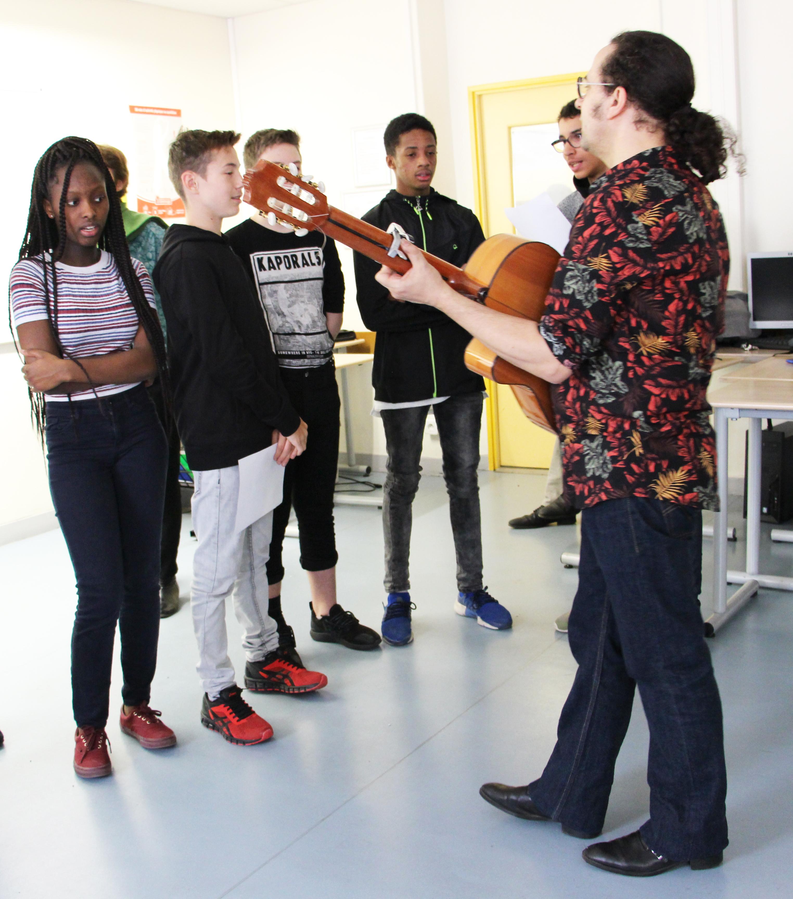 Atelier musical d'écriture et de chant  « en espagnol »